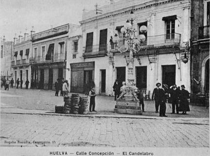 Candelabro en la calle Concepción