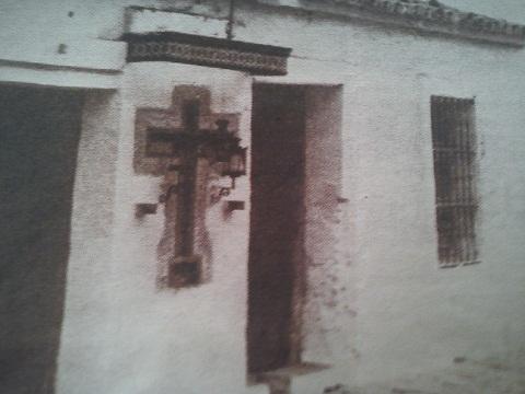 Casa con el azulejo del Cristo