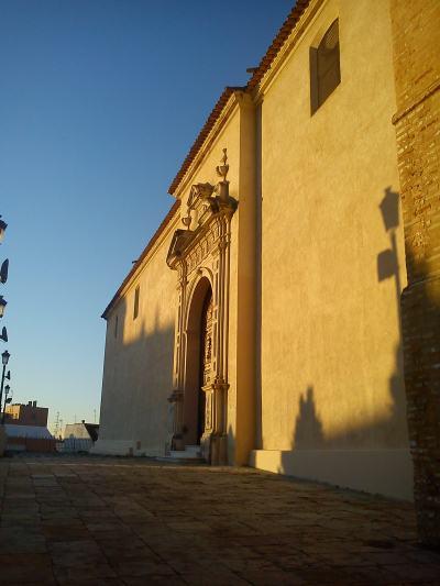 Fachada de San Pedro limpia